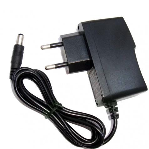 Napájecí adapter