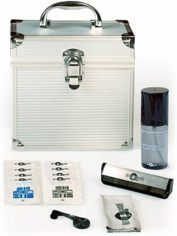 """7"""" ALUMINIUM Case + Cleaning Set"""